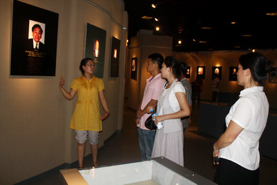 Journalists from Tianjin TV and Dagang TV paid a visit to the Tianjin D. Olympic Museum.